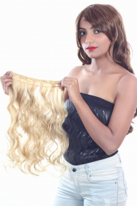 RITZKART 21 inch long soft & shiny curly blonde imported synthetic hair extension